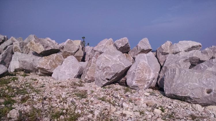 NI_rocks1_090415